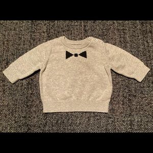 Baby gap cotton sweater with bow tie graph…